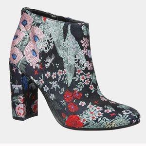 EUC Sam Edelman Campbell Floral Boots
